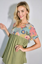 Load image into Gallery viewer, Top solid & olive print v neck baby doll