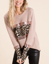 Load image into Gallery viewer, Sweater Leopard Sequin