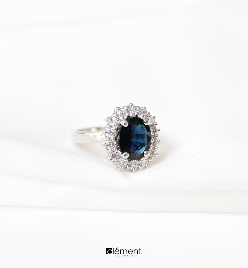 18ct White Gold Blue Sapphire Ring With Diamonds