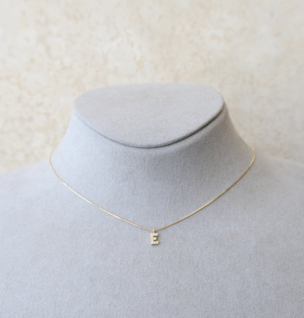 18ct Yellow Gold Letter E