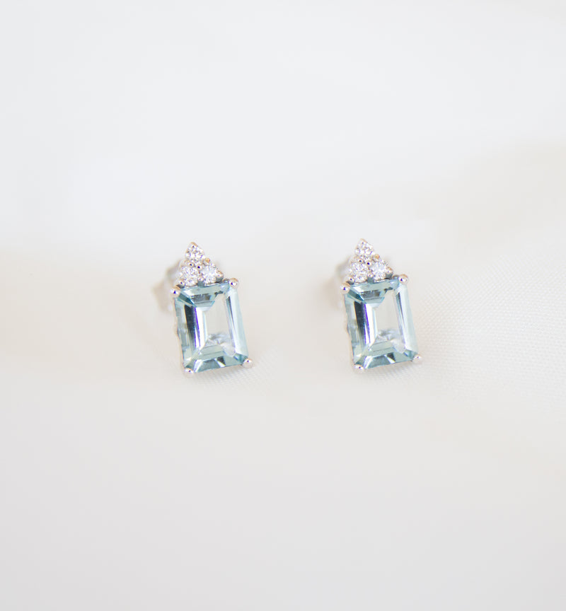 18ct White Natural Aquamarine & Diamond Earrings