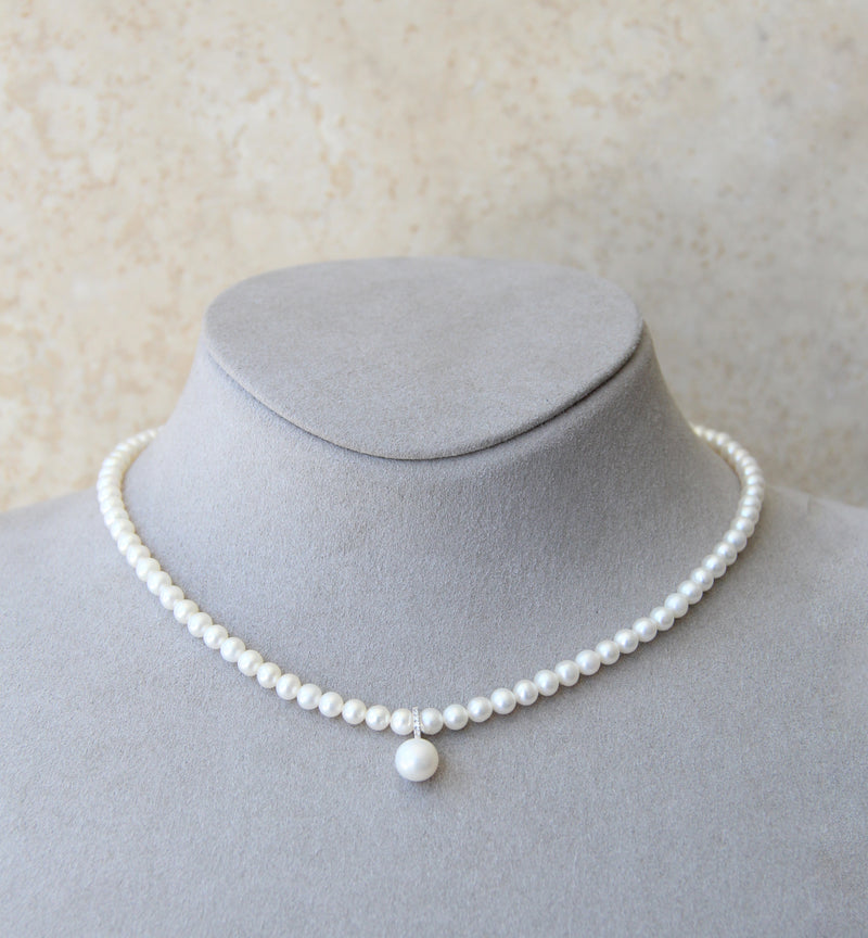 18ct Gold Diamond Cultured Pearl Necklace
