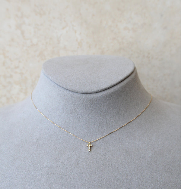 18ct Yellow Gold Letter T