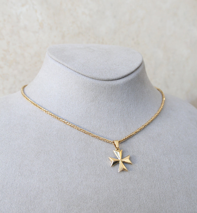 18ct Gold Maltese Cross