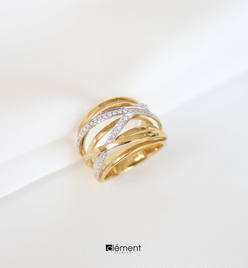 18ct Yellow Gold Natural Diamond Ring