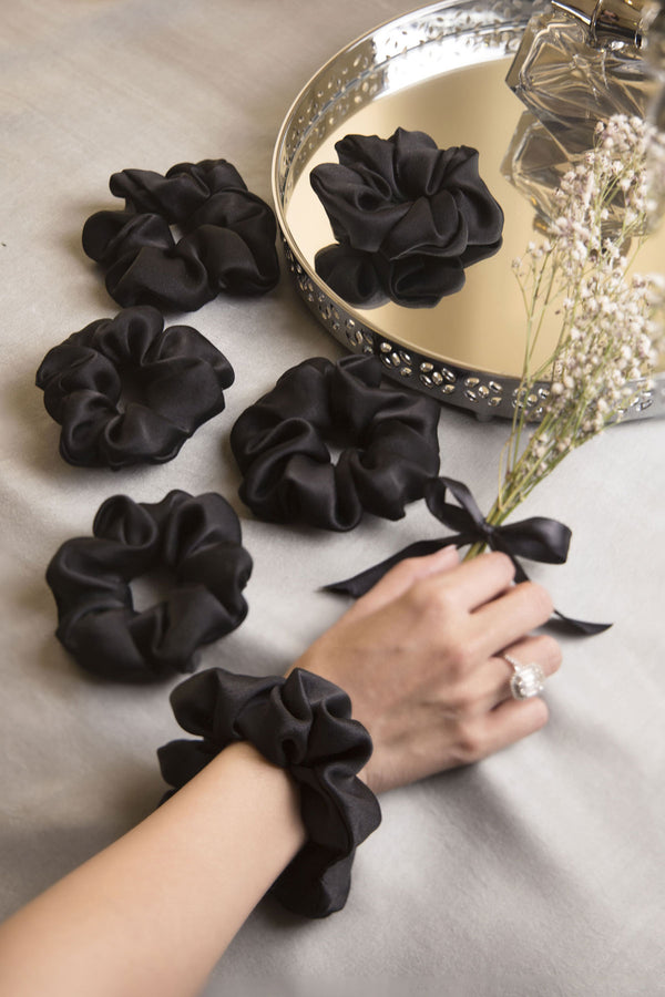 MIDNIGHT HOUR PURE SILK SCRUNCHIES COLLECTION - Spotstyl