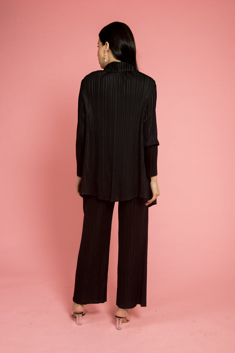 Black Pleated Cape (Short)