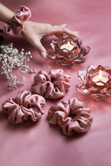 ROSE GOLD PURE SILK SCRUNCHIES - Spotstyl