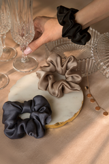 GLAM-O-CLOCK SILK SCRUNCHIE COLLECTION - Spotstyl