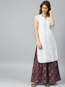Saadgi Aari Embroidered Crochet Sleeve Kurta