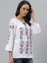 Load image into Gallery viewer, Vemante embroidered Top