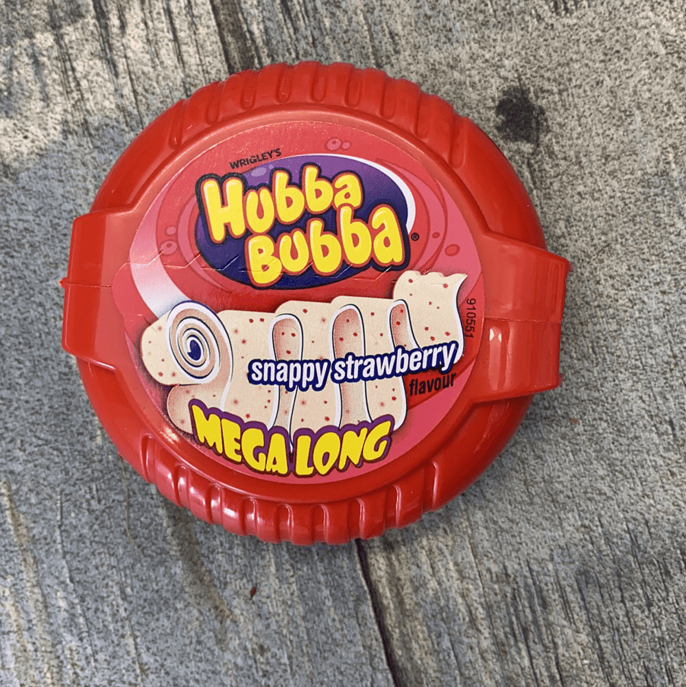 Hubba bubba mega long snappy strawberry - Woodward's Confection