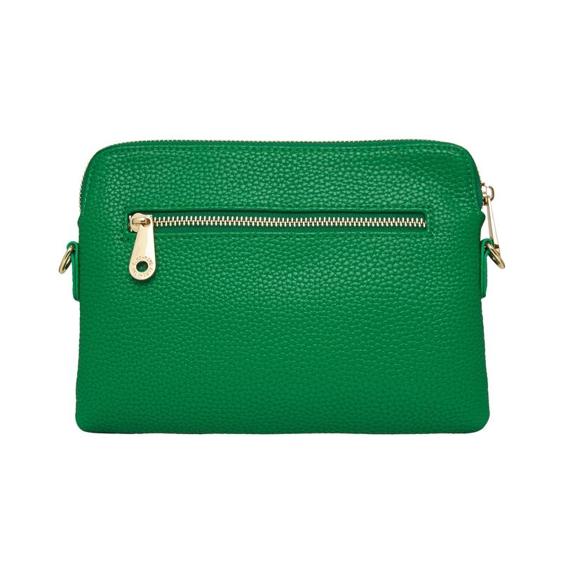 The Bowery Wallet in Green from Elms + King is so much more than just a clutch! With its detachable and adjustable strap, this piece can be used as a clutch, shoulder bag or crossbody bag! A must for every wardrobe!