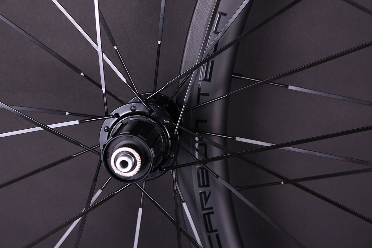 Is the surface of the spoke damaged or impact marks?