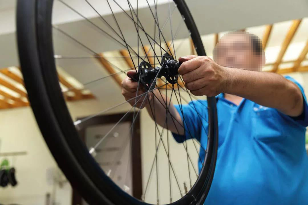 Road tubeless tire replacement teaching