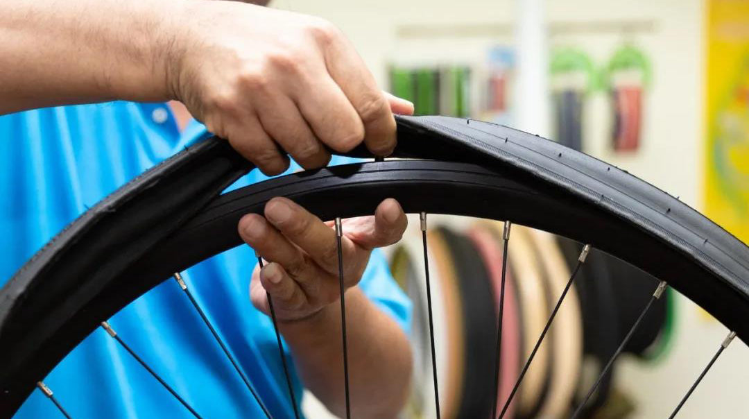 Road tubeless tire replacement teaching 1