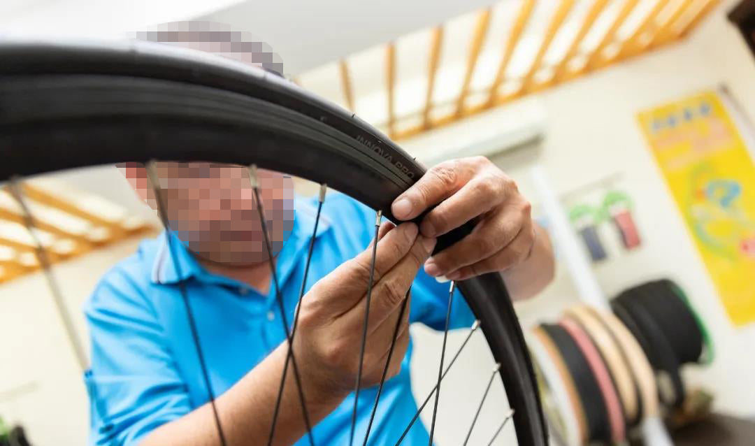 Road tubeless tire replacement teaching 4-2