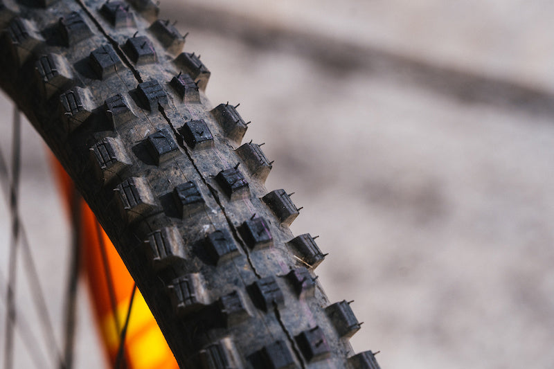Tire width and teeth of mountain bike tires