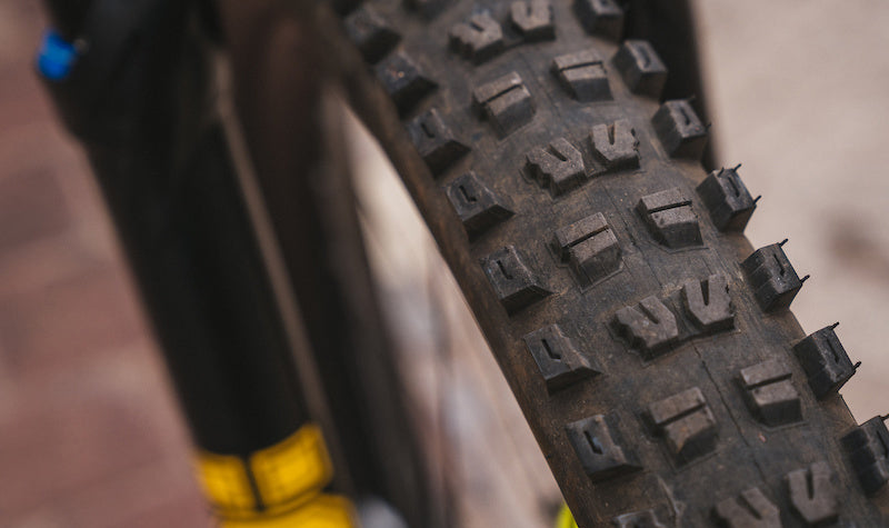 Tire width and teeth of mountain bike tires 5