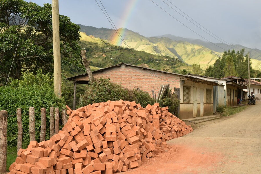 Aponte, Colombia Weekly Subscription