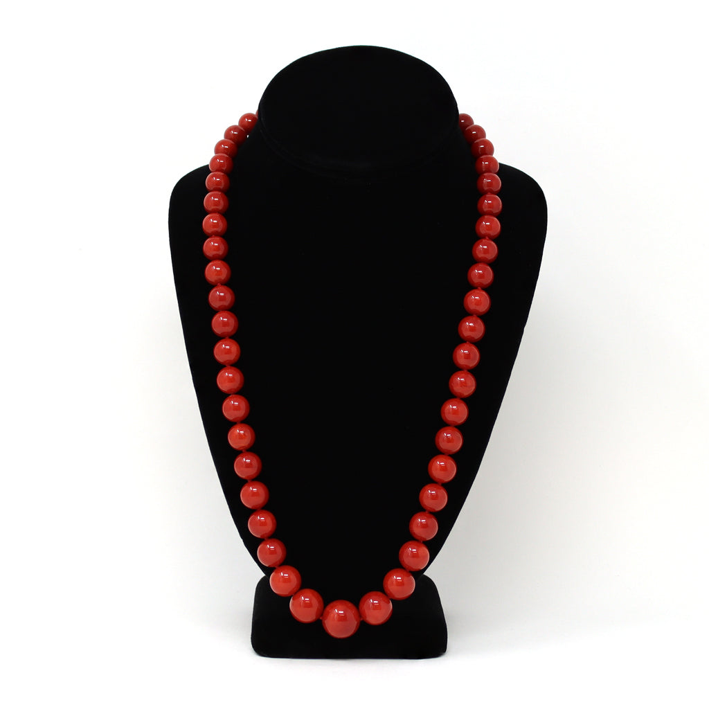 An Important Deep Red Coral Necklace With 18 Karat Yellow Gold Diamond Clasp display view