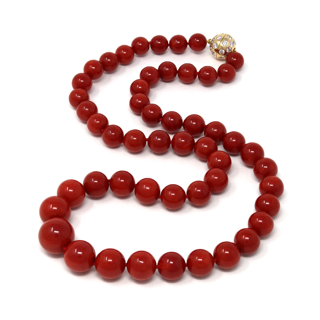 An Important Deep Red Coral Necklace With 18 Karat Yellow Gold Diamond Clasp random view