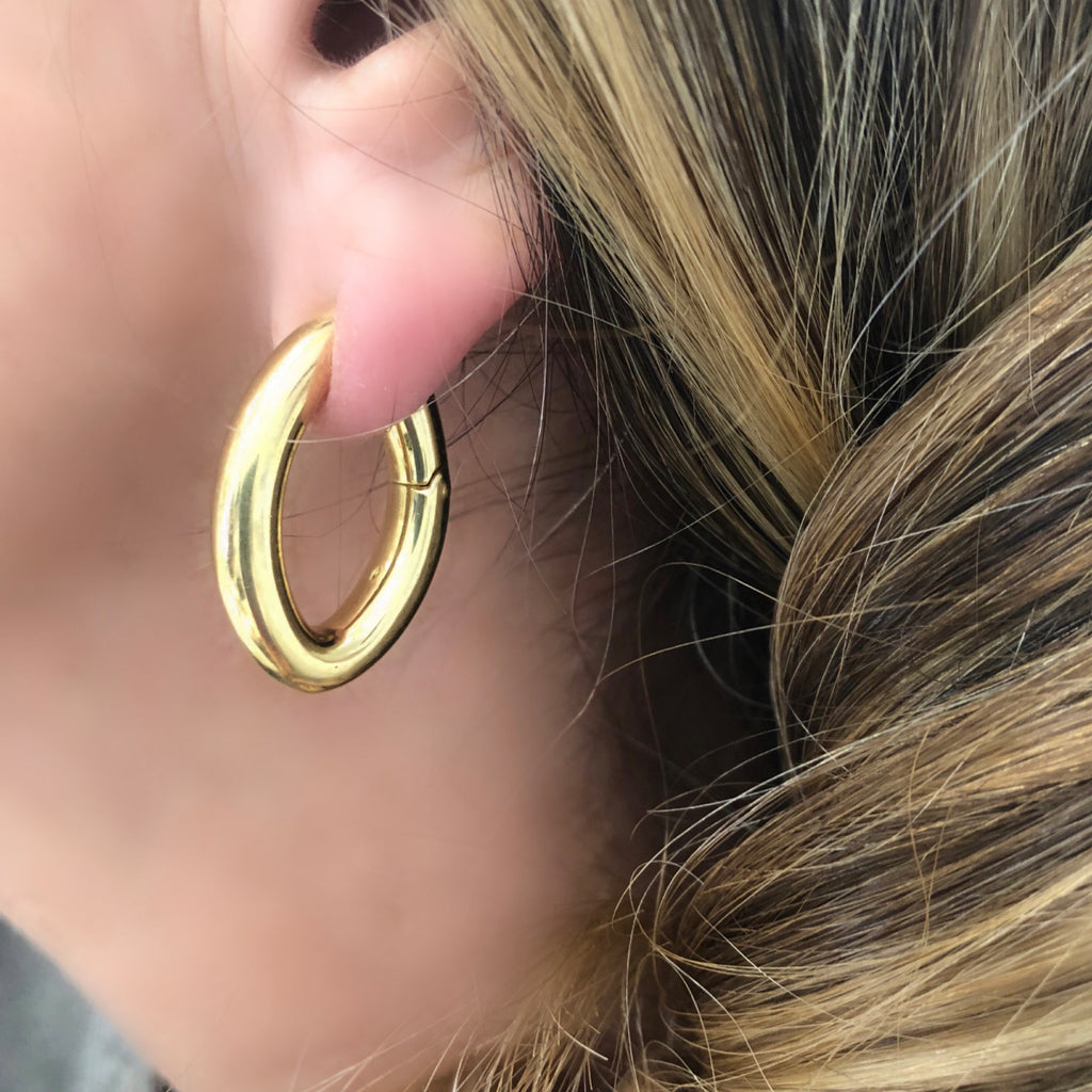 Signed Pomellato Gold Hoop Clip-on Earrings in 18 Karat Yellow Gold model view
