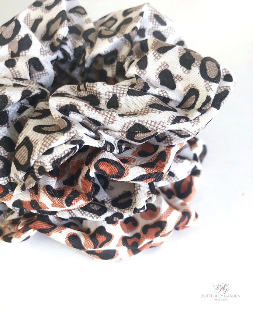 Leopard scrunchies- 2 colours!