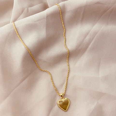 Mon Amour Heart Pendant Necklace