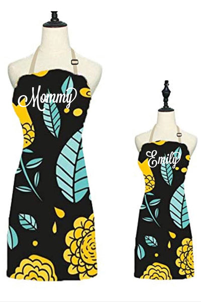 Mommy and me aprons, mom and kid cooking apron set, personalized apron, mommy and me set, cupcake apron set, matching aprons, custom aprons