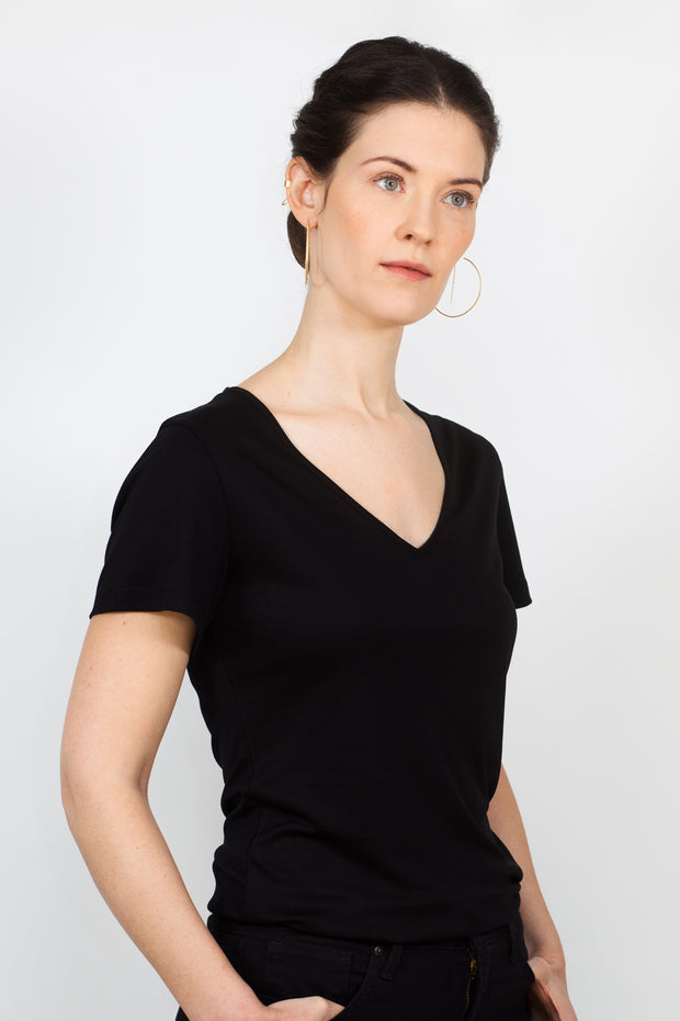 ADÈLE V-neck top, black