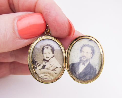 Victorian 15KT Gold Engraved & Embossed Locket