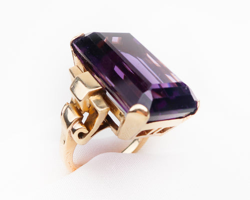 Retro-Era 14KT Gold Amethyst Cocktail Ring