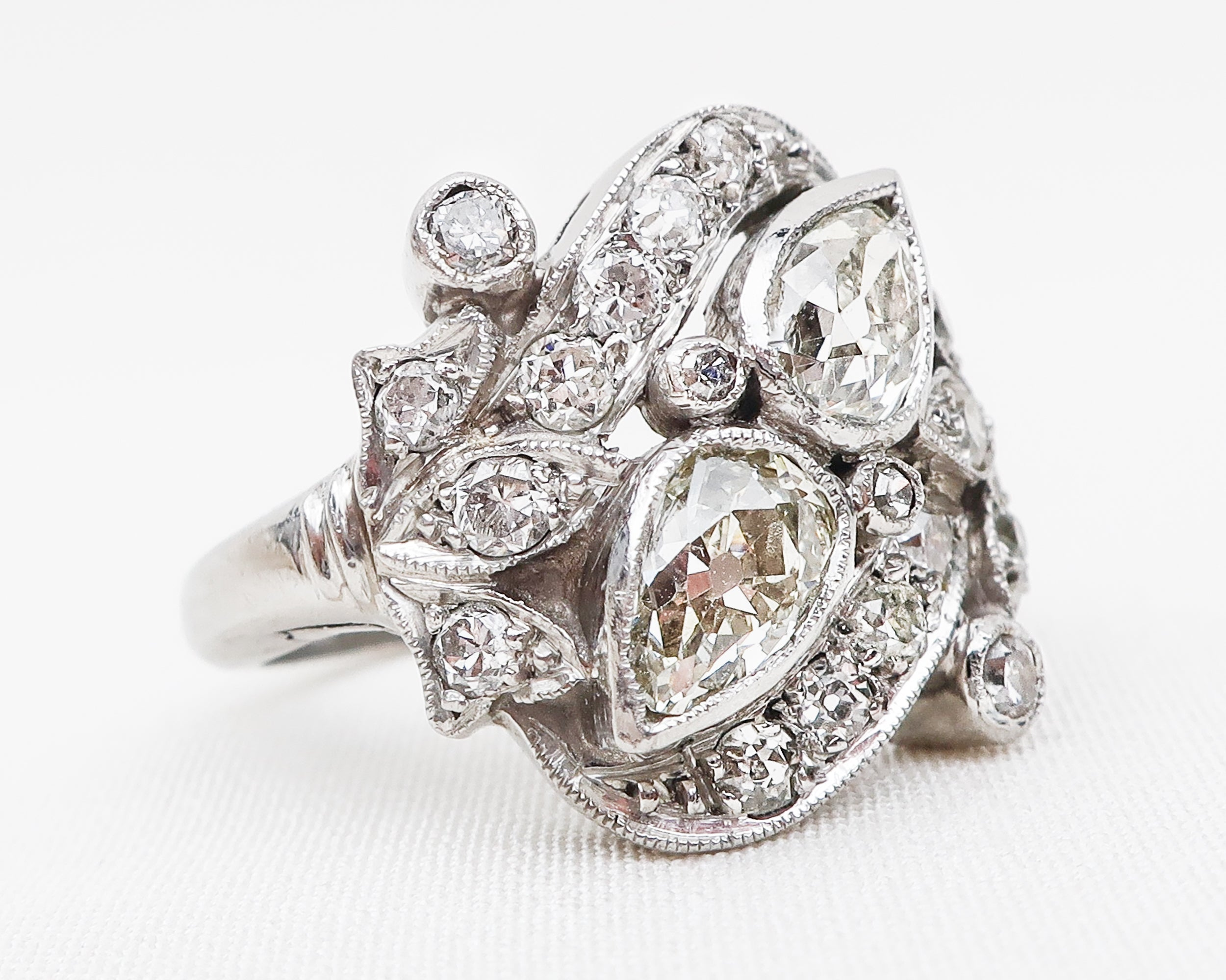 Art Deco Pear-Shaped Diamond Ring
