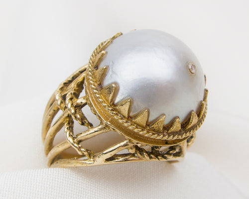 Midcentury Victorian Revival Mabe' Pearl Ring