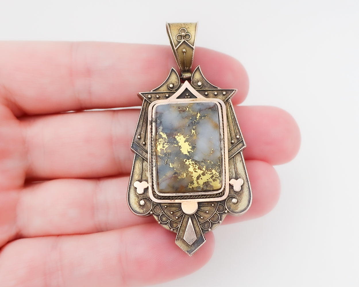 Victorian Gold-Bearing Stone Locket