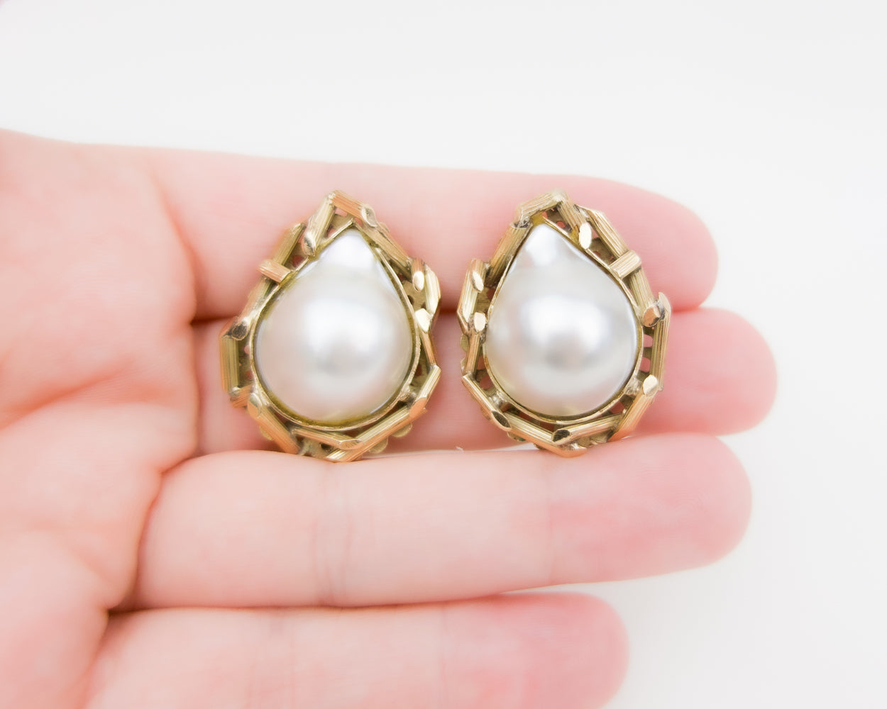 Mabe' Pearl Earrings