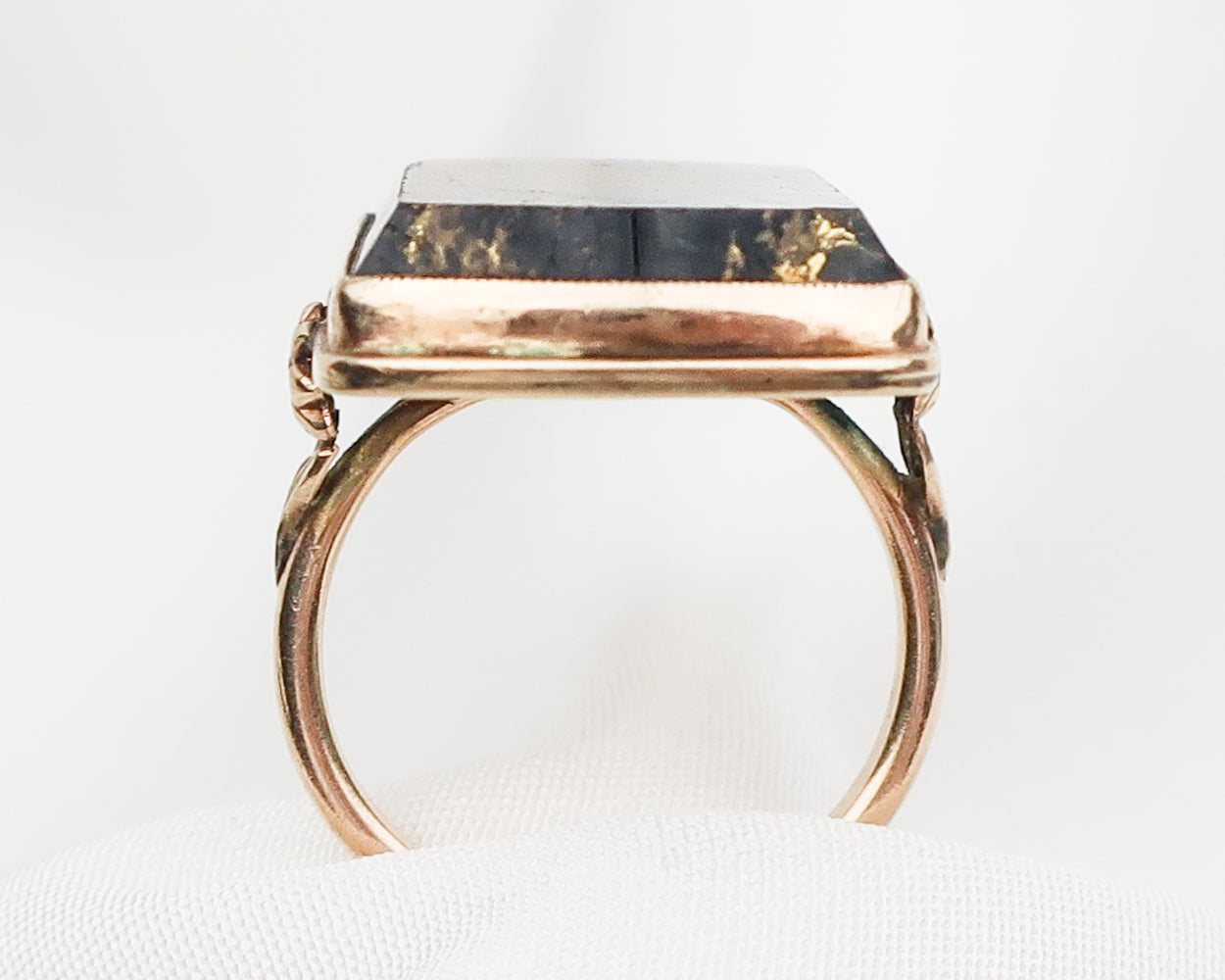 Victorian Gold-Bearing Quartz Ring
