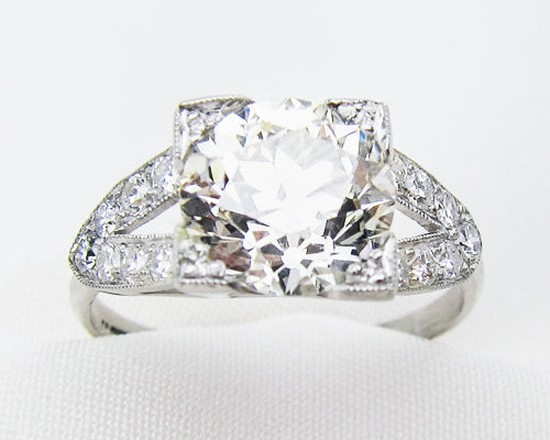 Art Deco 2.39-Carat Split-Shank Diamond Ring