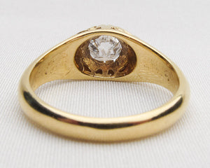 18KT Engraved Deco Diamond Ring