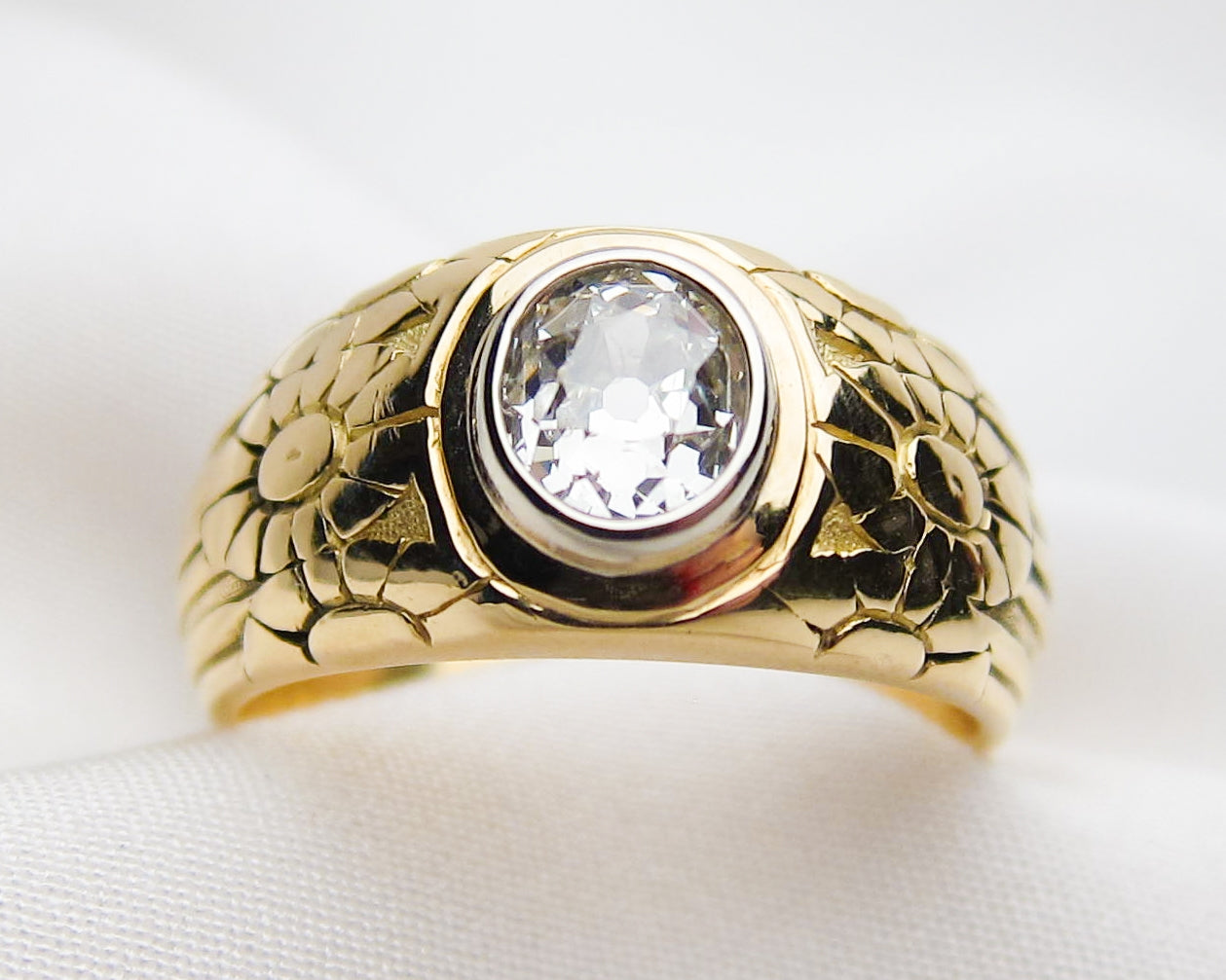 victorian-18KT-gold-engraved-band