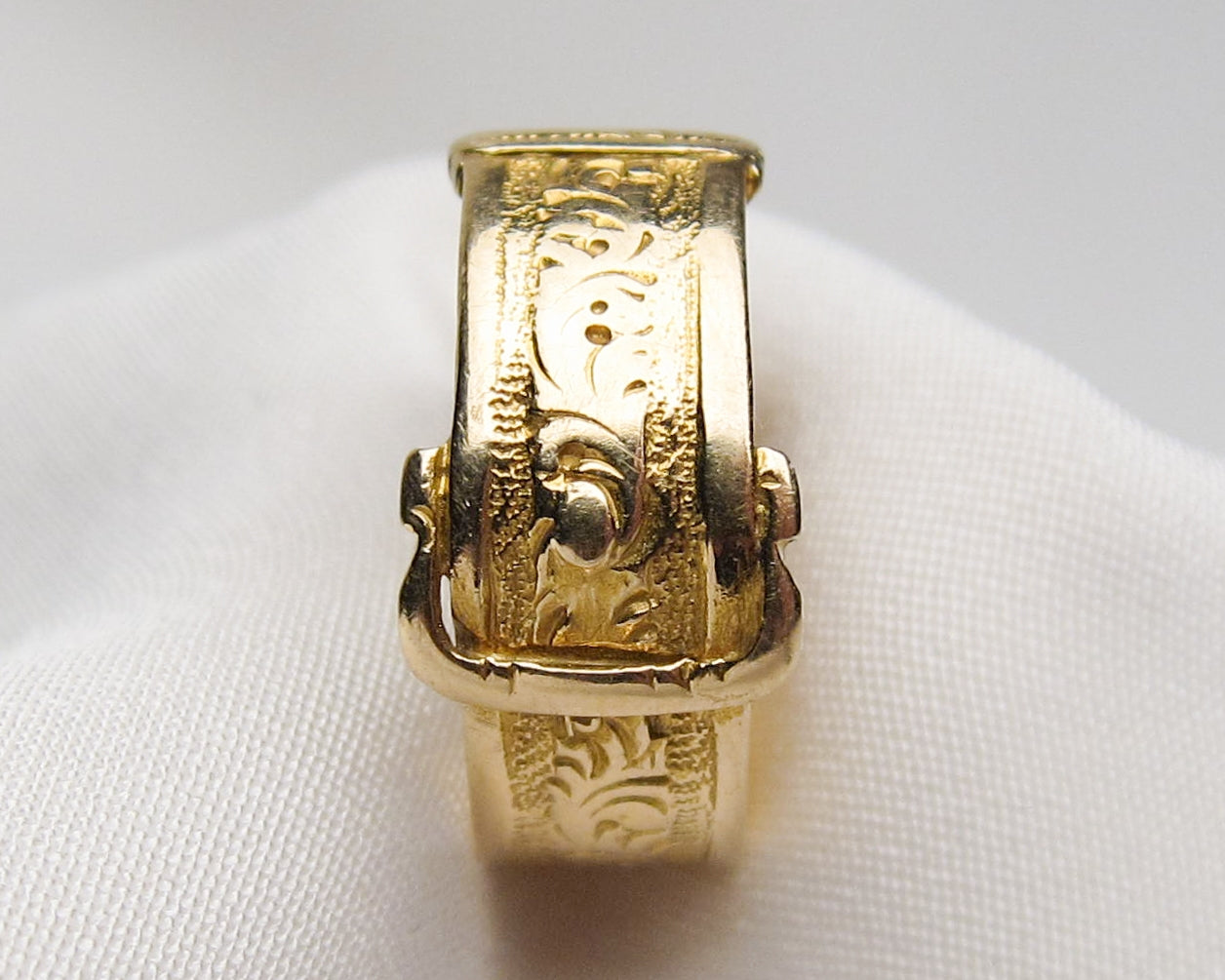 Victorian 15KT Engraved Buckle Ring