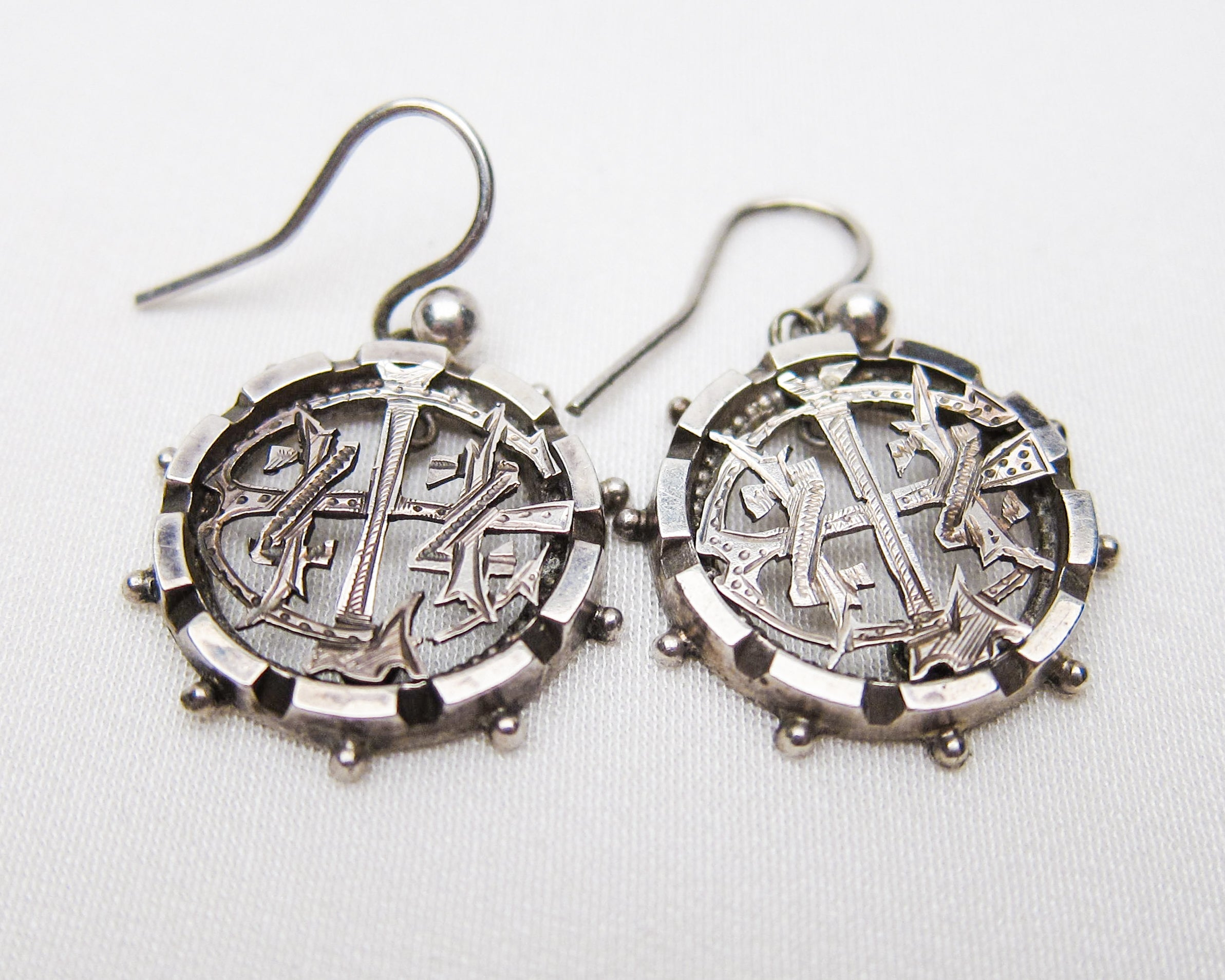 victorian-openwork-silver-dangle-earrings