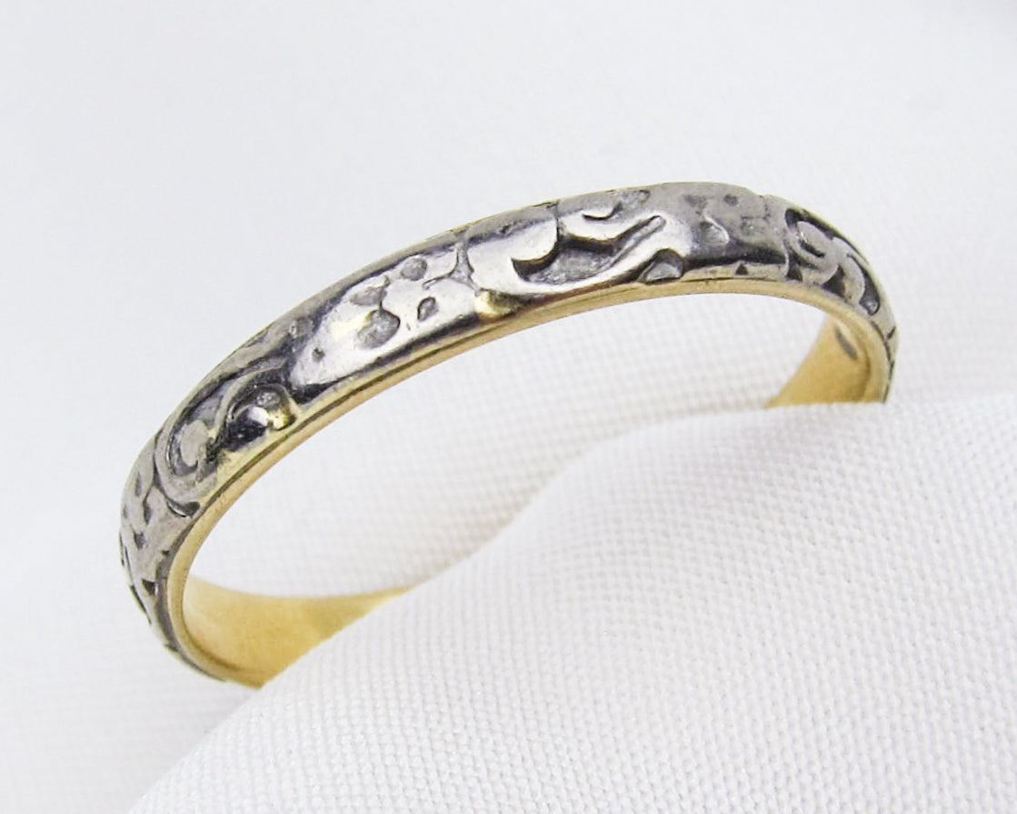 Art Deco Two-Tone Engraved Band