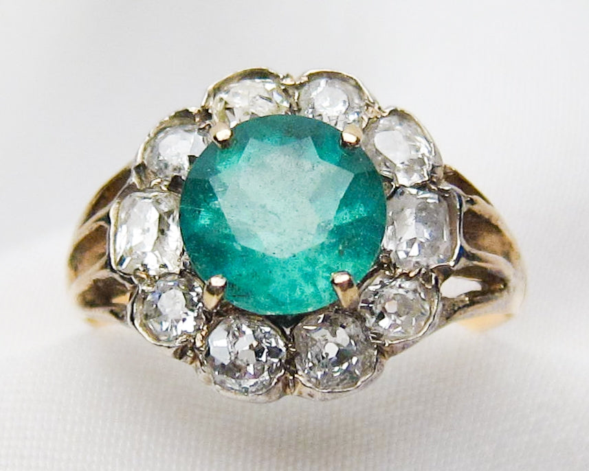 emerald-diamond-halo-ring