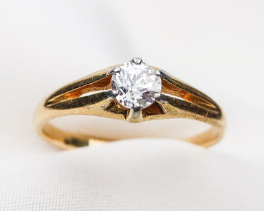 solitaire-engagement-ring