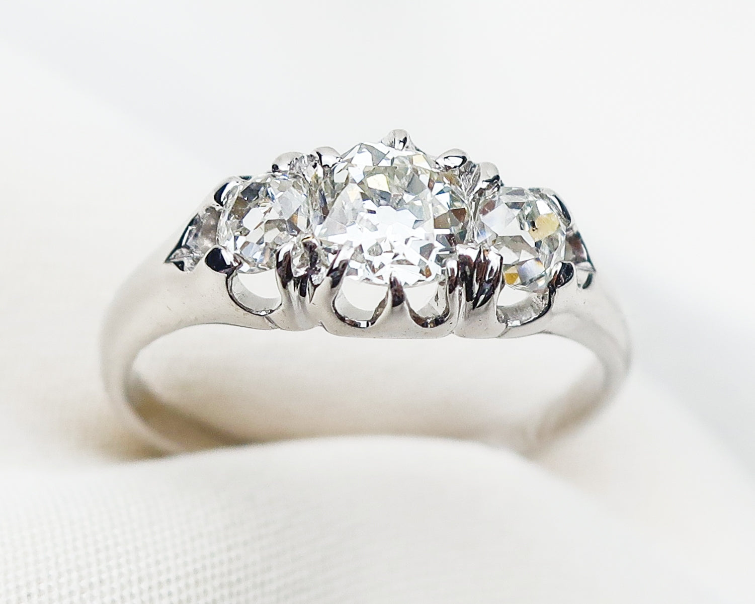 white-gold-diamond-cluster-ring