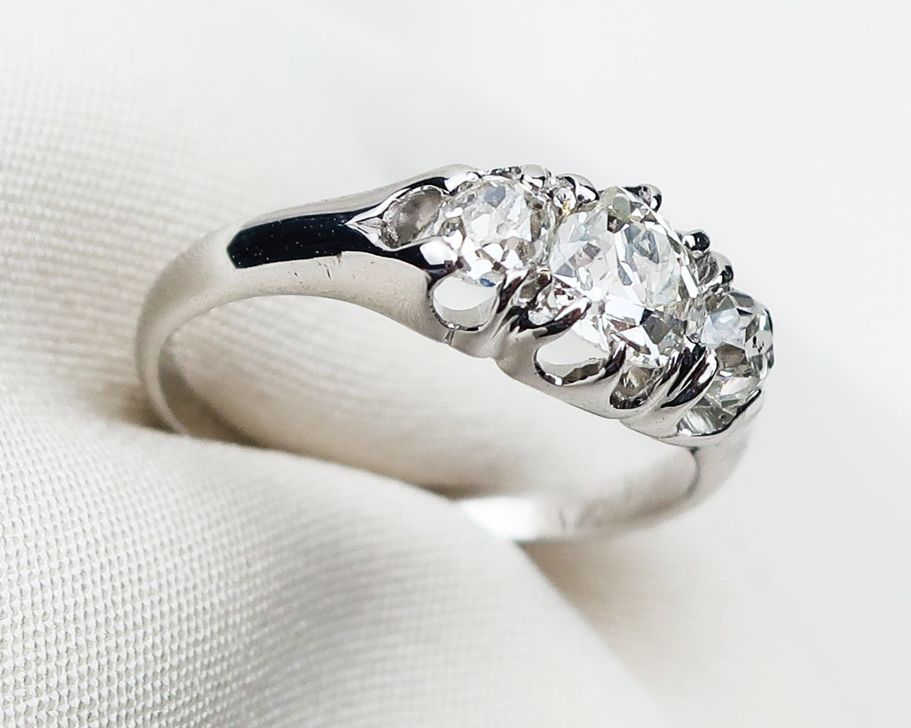 Art Deco White Gold Diamond Cluster Ring