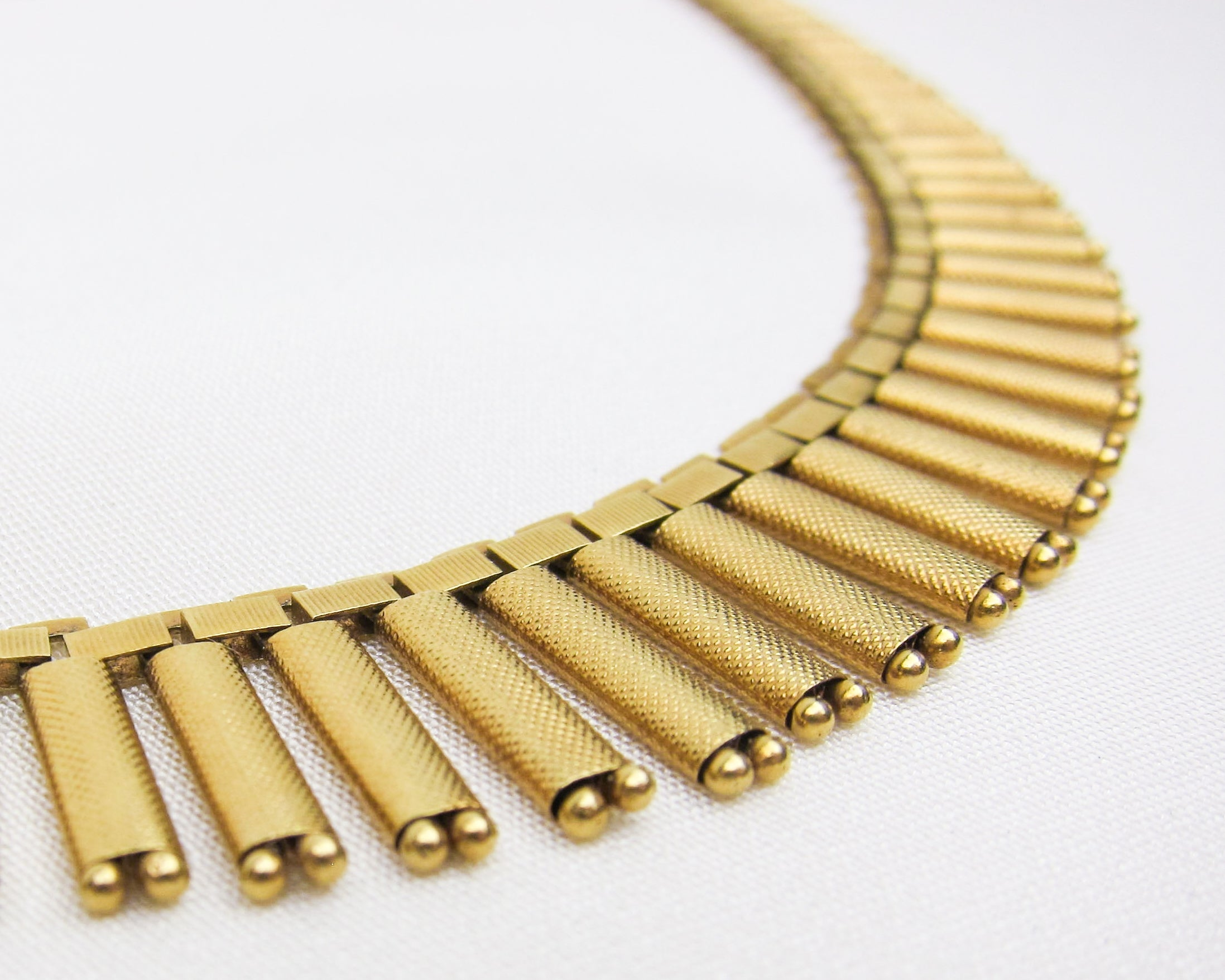 midcentury-gold-fringe-necklace