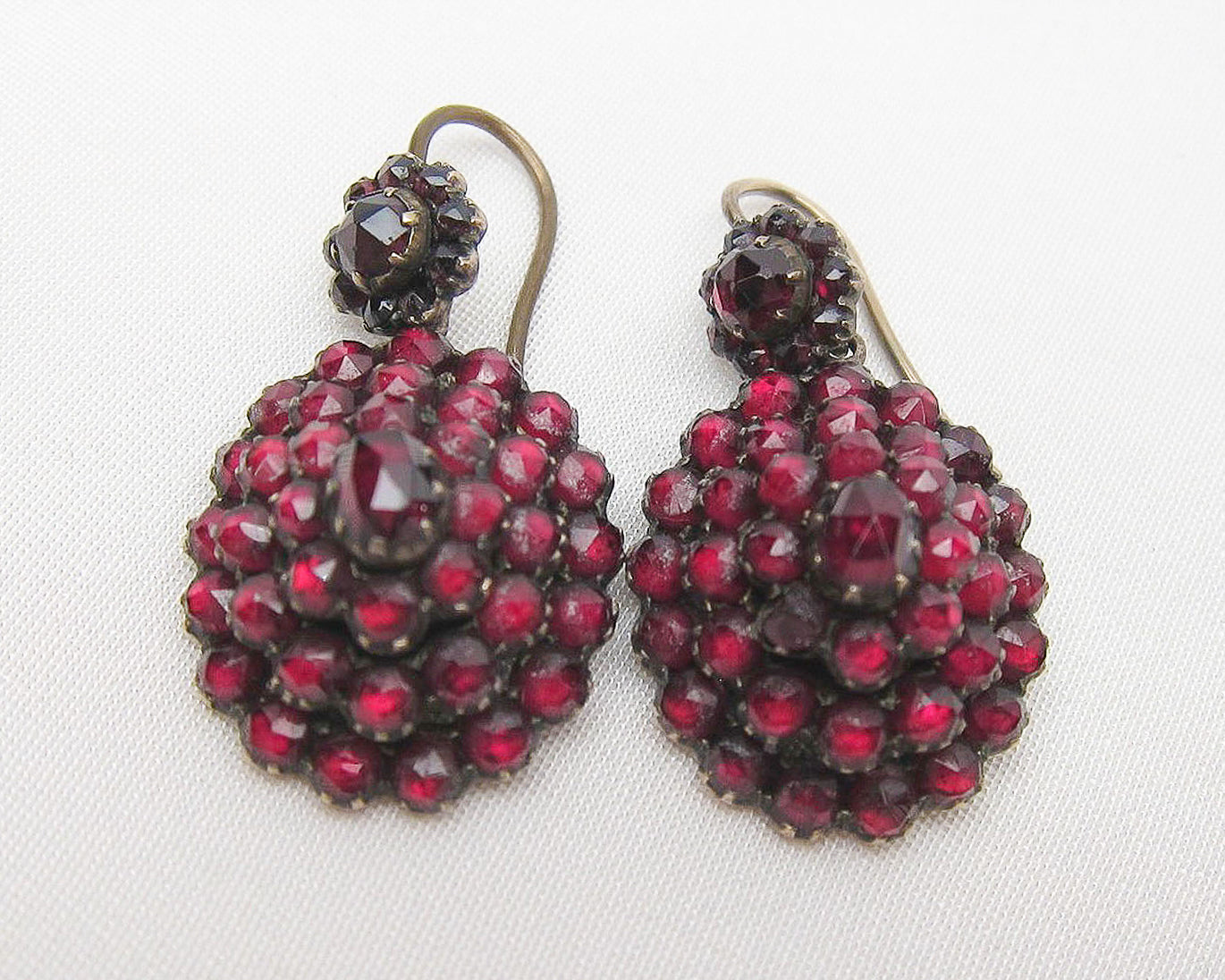 antique-garnet-earrings